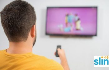 why does sling tv keep freezing on roku